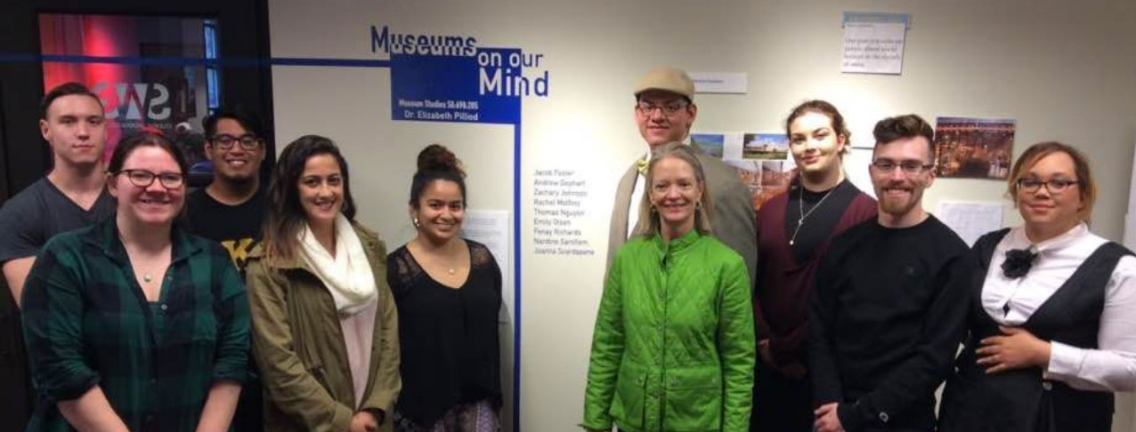 Museum Study students and professors at show